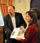 Roberto Cosolini consegna il premio per My Trieste