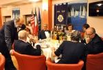 Paolo Cartagine al tavolo degli invitati